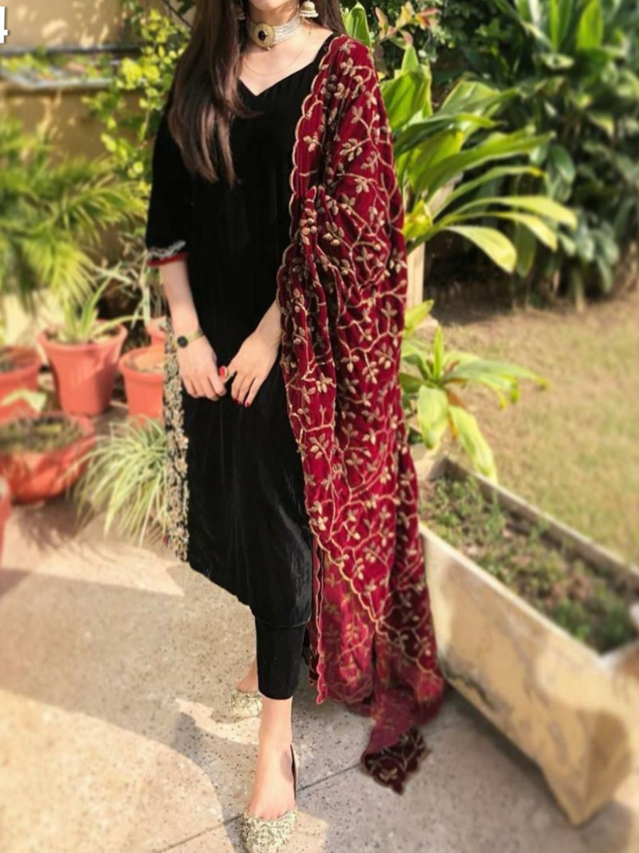 BLACK COLOR RAYON GOWN WITH HEAVY WORK DUPATTA K1114